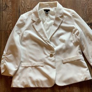 Women's cream blazer‼️